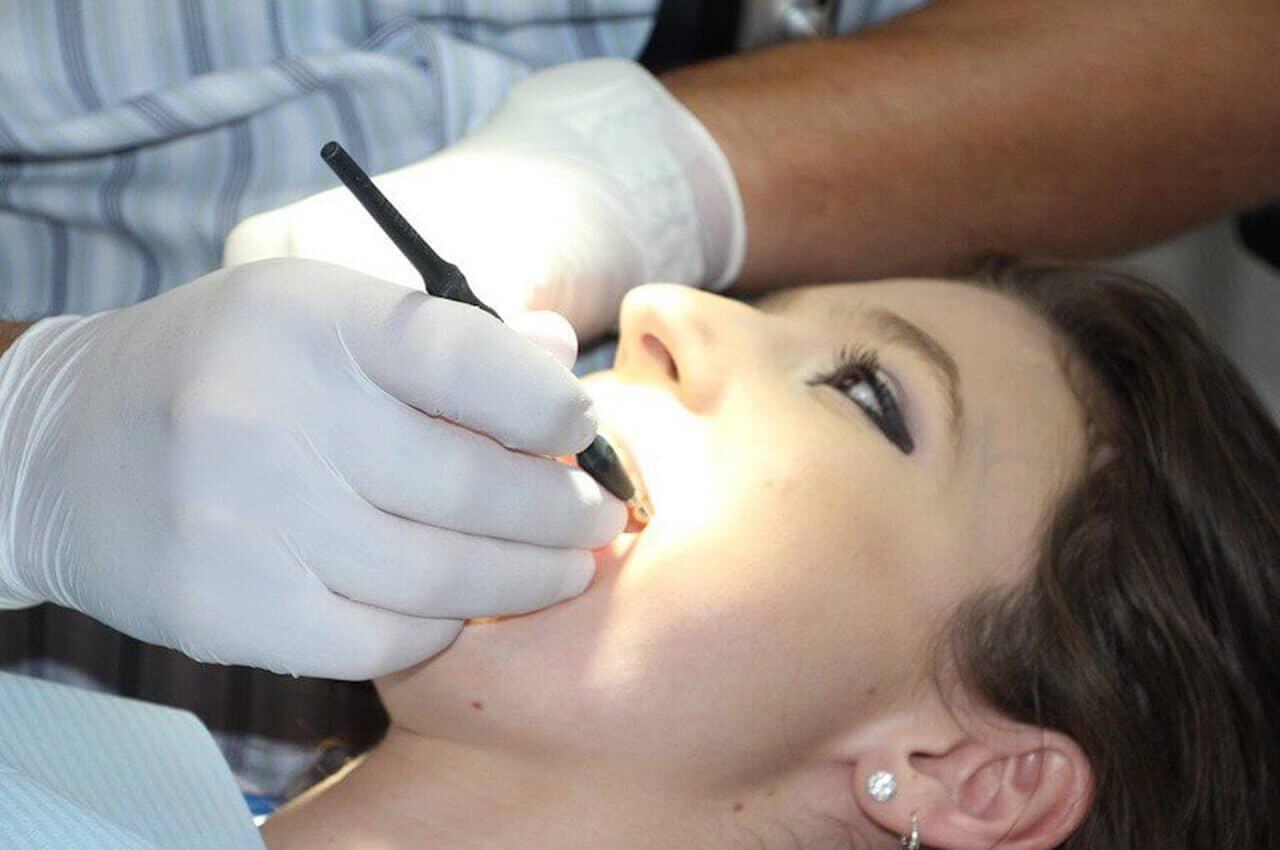 Laser Per Curare Carie E Parodontite