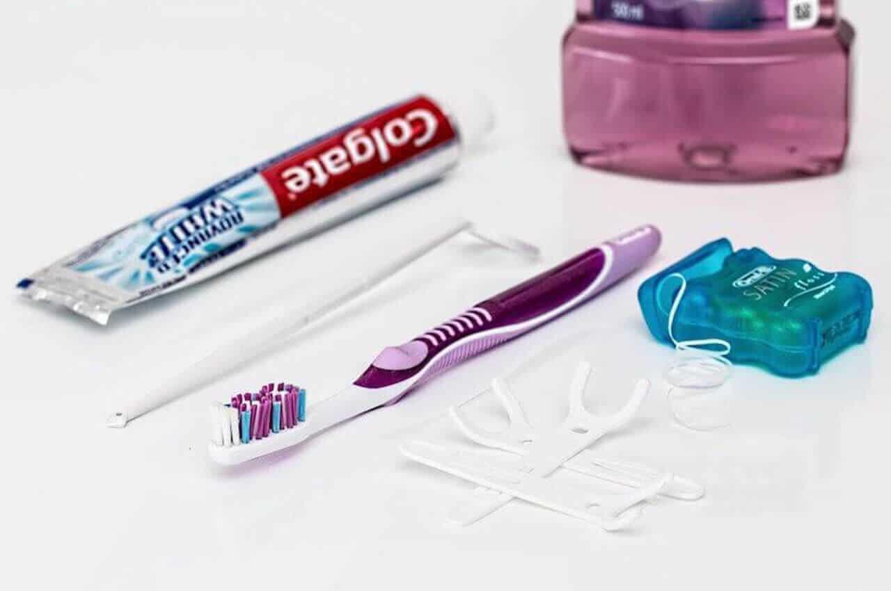 lavare i denti, lavare i denti 3 vole al giorno, studio dentistico cozzolino