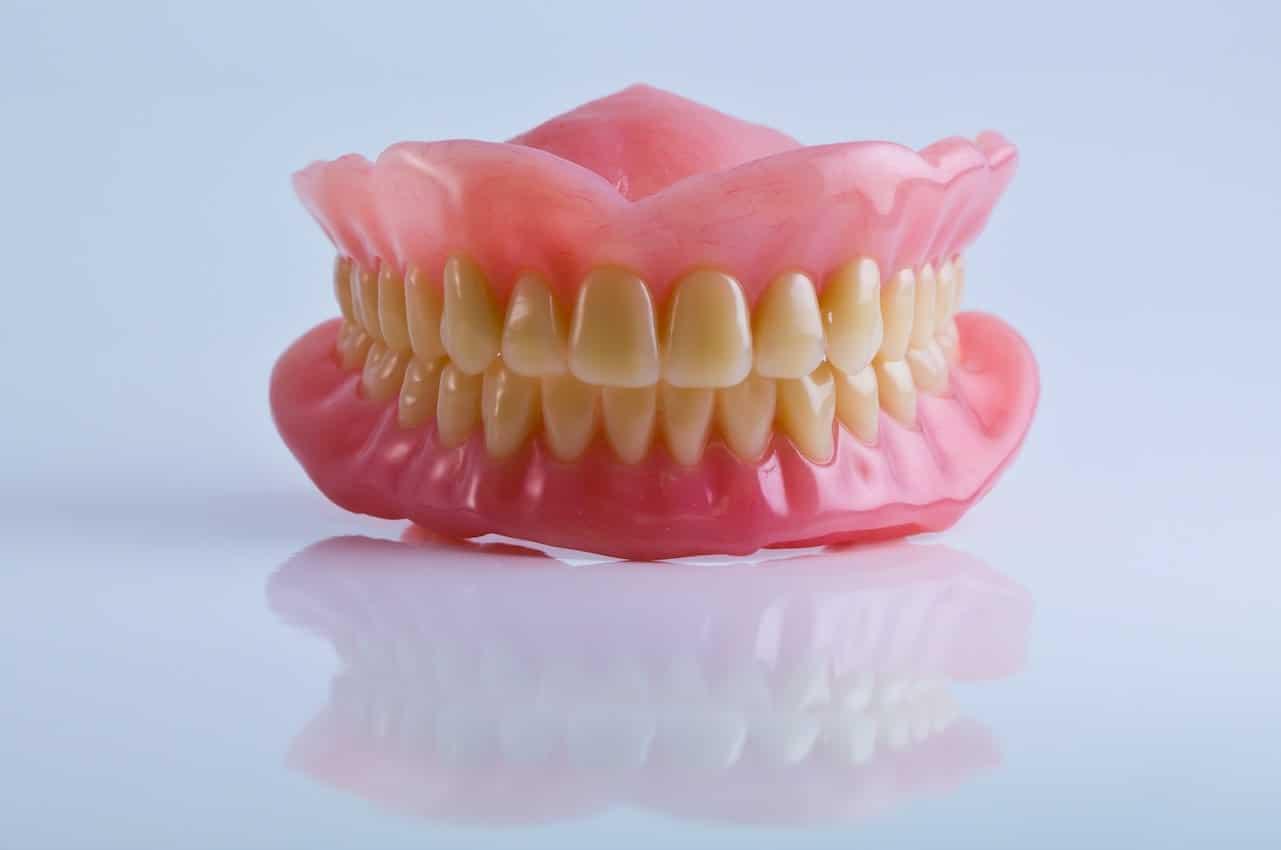 dentiera-tipologia-costi