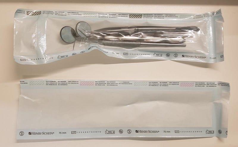 Strumenti odontoiatrici sterilizzati