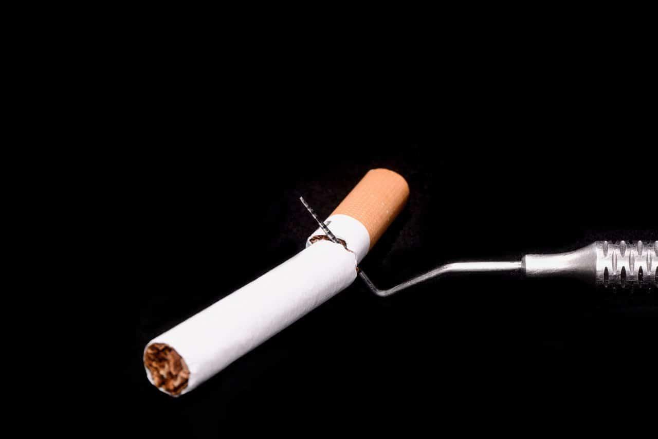 Fumo e parodontite, quali sono i rischi?